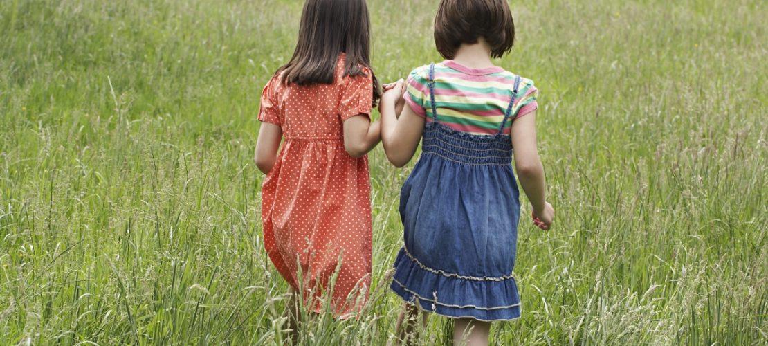 Kinder sollten immer mal wieder Zeit haben zum Nachdenken und Spielen. (Foto: Thinkstock)