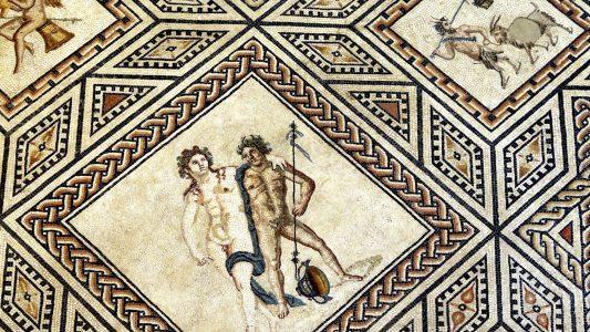 Viele Römer in Köln waren sehr reich. Das Dionysosmosaik war früher in einer Stadtvilla. Das Kunstwerk ist heute im Römisch-Germanischen zu bestaunen. Foto: Michael Bause