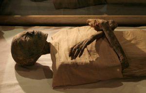 Die Mumie von Pharao Ramses IV, der zwischen 1152-1145 vor Christus an der Macht war, ist im Ägyptischen Museum ausgestellt. (Foto: dpa)