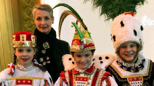 Karneval statt Schulunterricht – Das Kölner Kinderdreigestirn