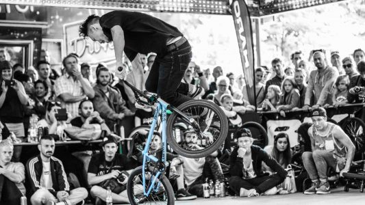 Coole Tricks mit dem BMX